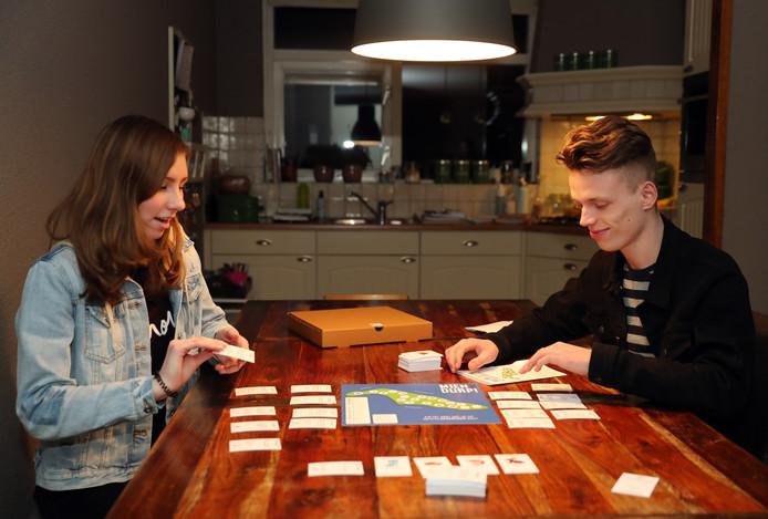 'Mien Durp' is een bordspel in Flakkees accent.