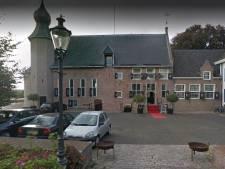 Burgemeester Coevorden plaatst woedende tweet over diefstal lood bij Kasteel en noemt daders 'losers'