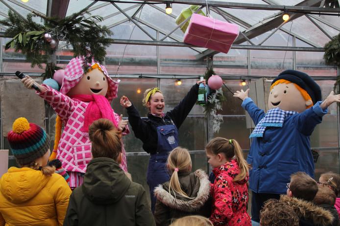 Fien en Teun zijn de mascottes van Avonturenboerderij Molenwaard.