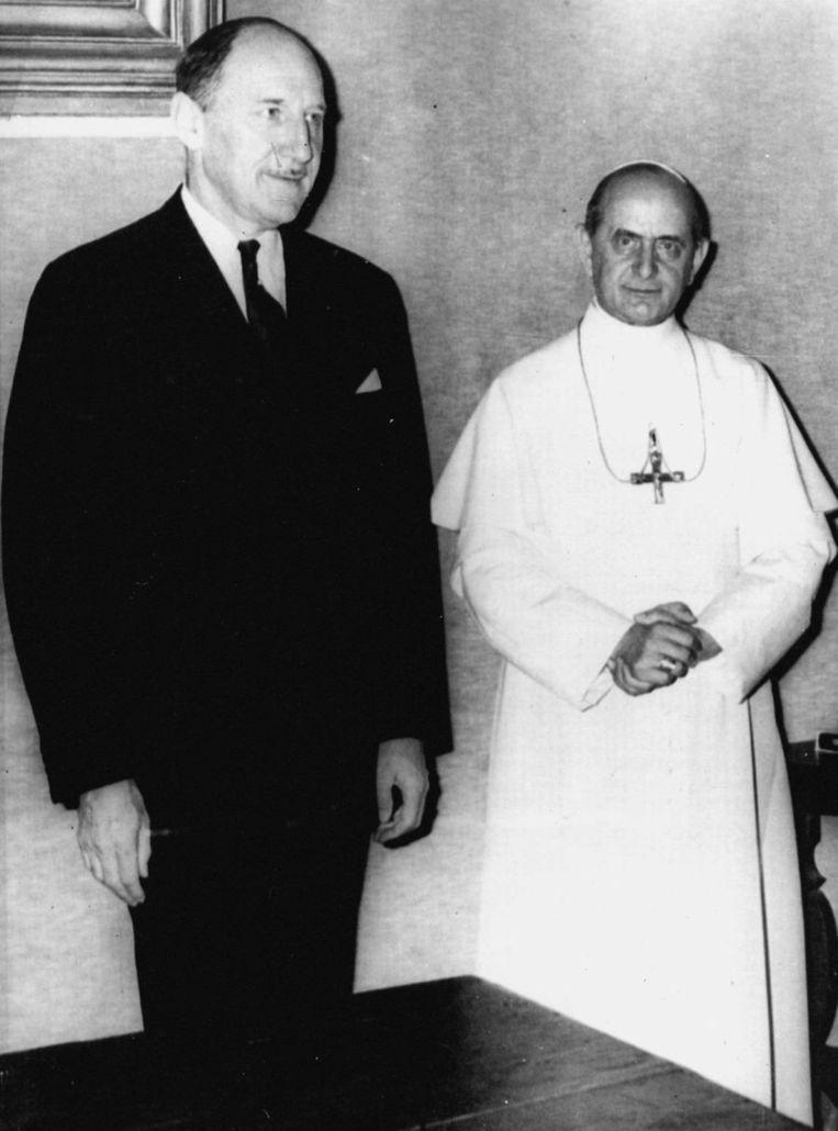 Paus Paulus VI ontving in 1967 minister van Buitenlandse Zaken Joseph Luns in het Vaticaan. Beeld anp