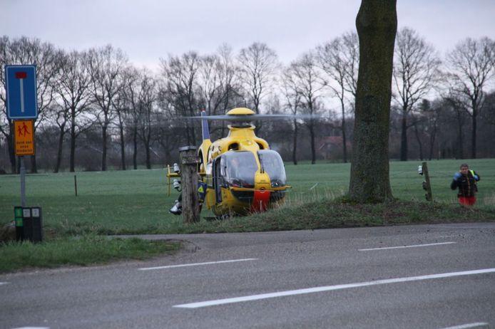 Traumahelikopter op de plek van het ongeluk, afgelopen zondag.