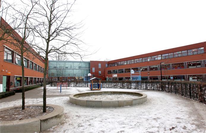 De locatie aan het Andriessenplein op de Vijfhoek, waar meerdere basisscholen zit.