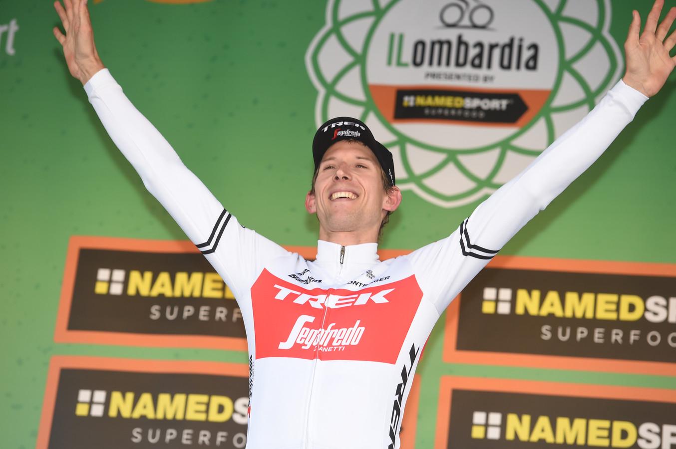 Mollema op het podium van de Ronde van Lombardije.