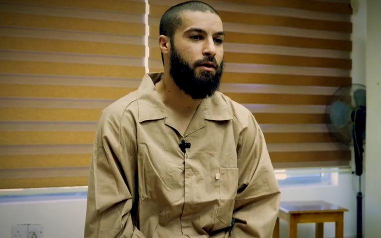"""Rudi Vranckx sprak met de Belgische  IS-strijder Tarik Jadaoun, die momenteel vastzit in een Iraakse cel. """"Ik heb informatie die van pas kunnen komen voor de inlichtingendiensten"""", verklaarde hij toen."""
