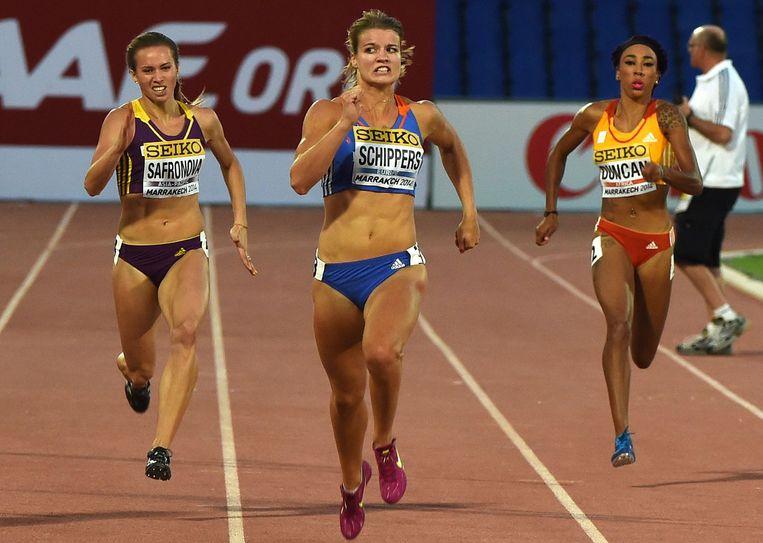 Dafne Schippers tijdens de 200 meter sprint tijdens de IAAF Continental Cup in Marrakech. Beeld null