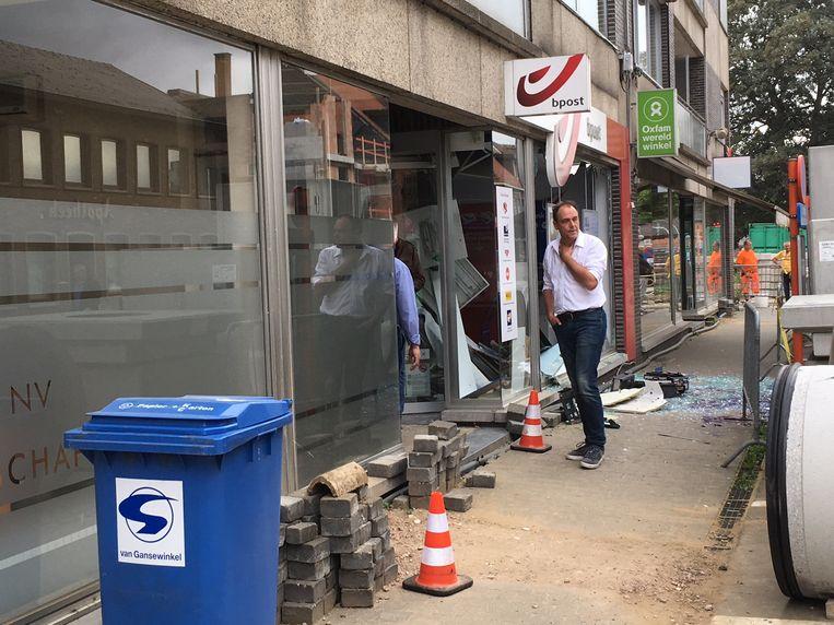 Het hele kantoor in Lummen is door de ontploffing verwoest.