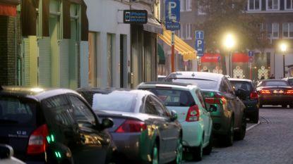 """Unizo moeit zich in parkeerdiscussie: """"Graag meer kortparkeerplaatsen"""""""