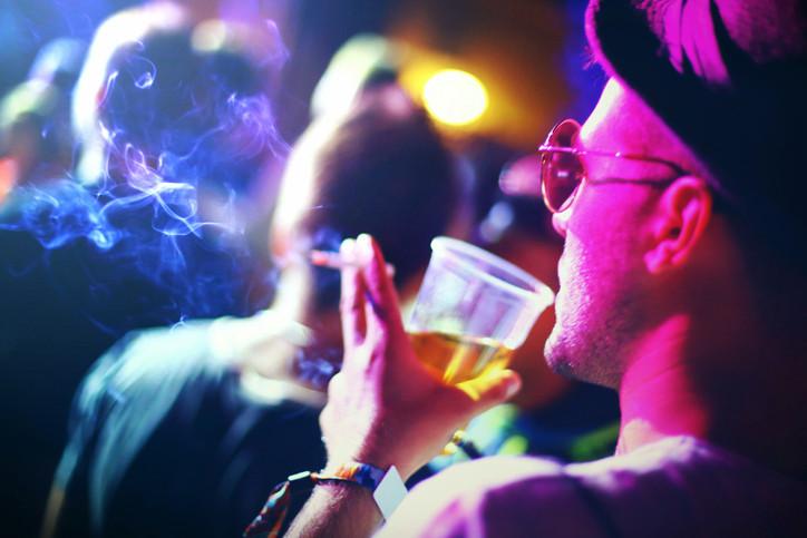 Dans les cafés wallons, l'interdiction de fumer n'est pas uniformément respectée