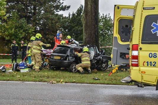 Ambulance ter plaatse bij het ongeval in Bemmel.