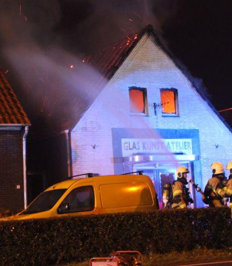 Maar één kunstwerk overleefde verwoestende brand in Veghels glas-atelier