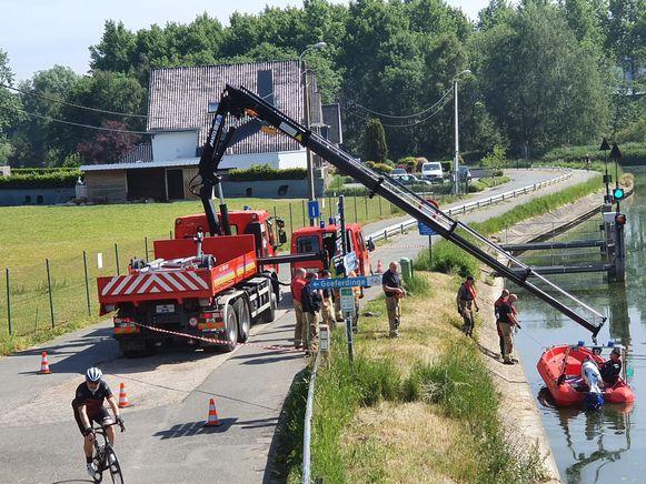 De brandweer speurde de Dender af ter hoogte van Het Bruggenhuis in Overboelare.