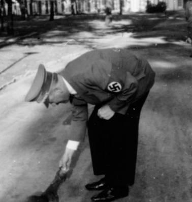 Foto's van Hitler die de wereld van hem niet mocht zien
