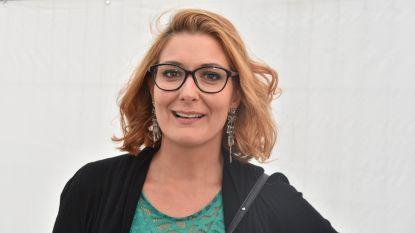 """Sabien Tiels had 54 uur vertraging met haar vlucht maar blijft ijzingwekkend kalm: """"Het is de wet van Murphy"""""""