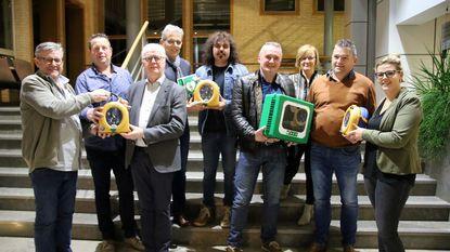 Organisatoren Tuinfestival geven drie AED-toestellen weg
