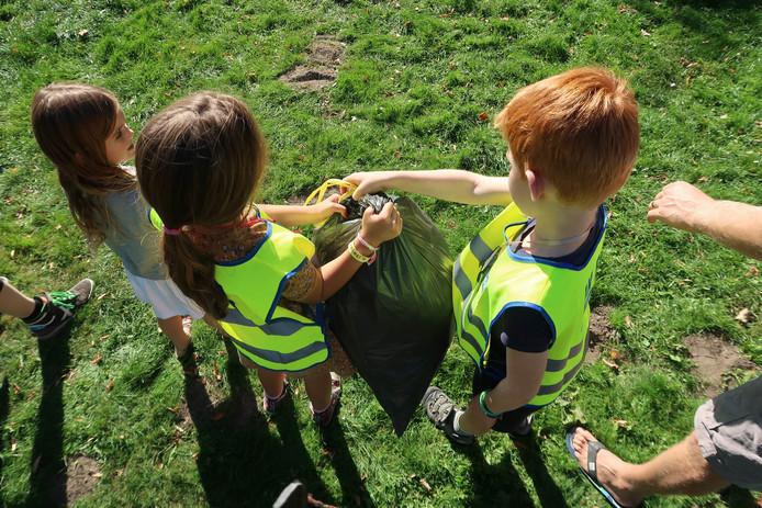 Ook in Breda werd er actief mee gedaan door de jeugd tijdens de World Clean Up Day.