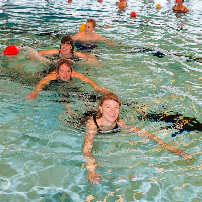 Archieffoto zwembad Olympia in Waalwijk.
