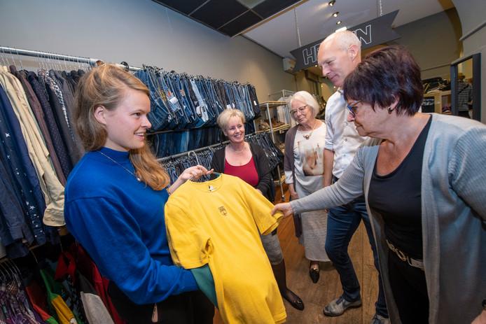 Mooie Kleding Kopen.Reshare Store Apeldoorn Leert Shoppers Kleding Kopen Apeldoorn