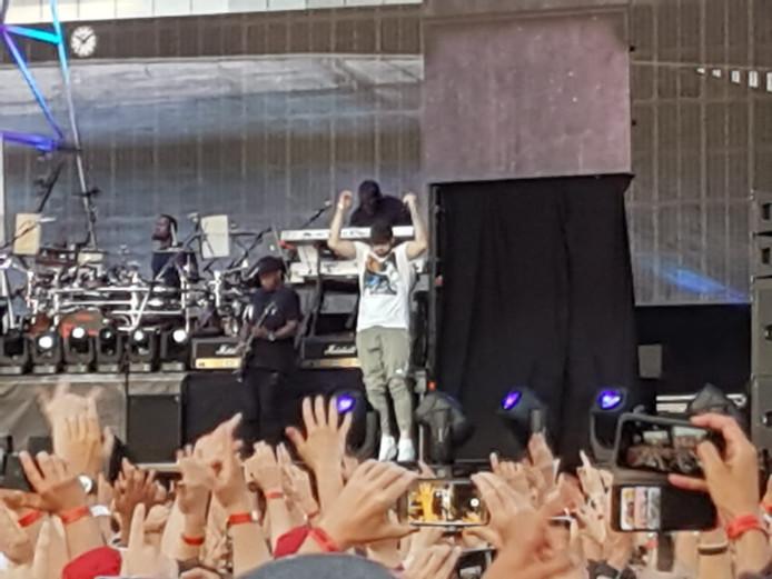 Eminem op het podium in het Nijmeegse Goffertpark