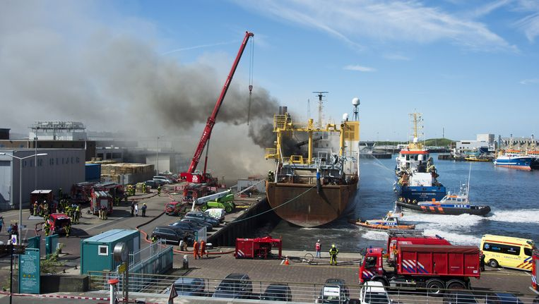 Brand op de trawler Johanna Maria in Scheveningen. Beeld ANP