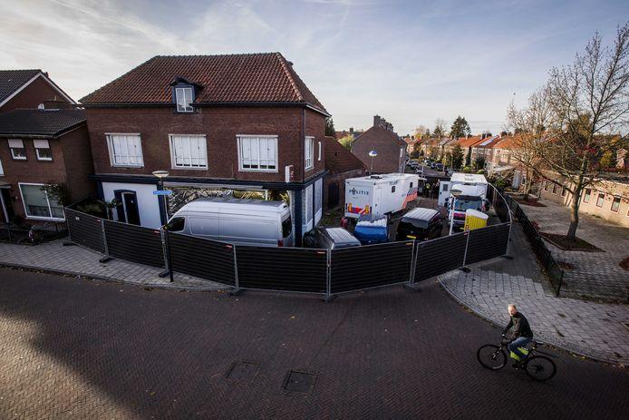 Het pand in Enschede waar de viervoudige moord gepleegd werd