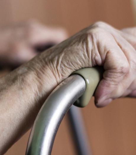 Une nonagénaire paralysée agressée sexuellement dans sa maison de repos
