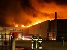 Waalwijks bedrijf Lightronics hard getroffen door grote brand: 'Het is verschrikkelijk'