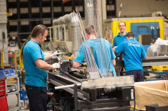 Bij Picanol werken zo'n 1.500 mensen in Ieper. Zij zijn zeker vandaag nog technisch werkloos.