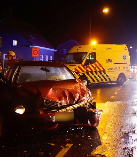 Waarom vlucht deze automobilist na een ongeluk en ontsnapt na aanhouding uit politiewagen?