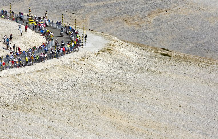 Beeld van de Mont Ventoux tijdens een etappe van de Tour de France. Beeld anp