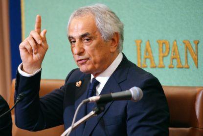 """Ontslagen Japanse bondscoach eist symbolische yen """"om zijn eer te herstellen"""""""