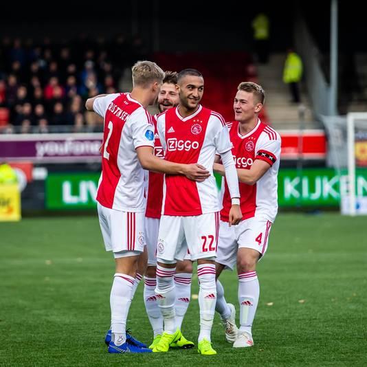 Vanmiddag declasseerde Ajax Excelsior.