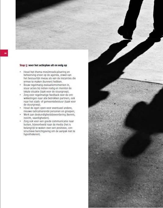 Een pagina uit de Belgische folder waarin wordt uitgelegd hoe om te gaan met radicalisering.