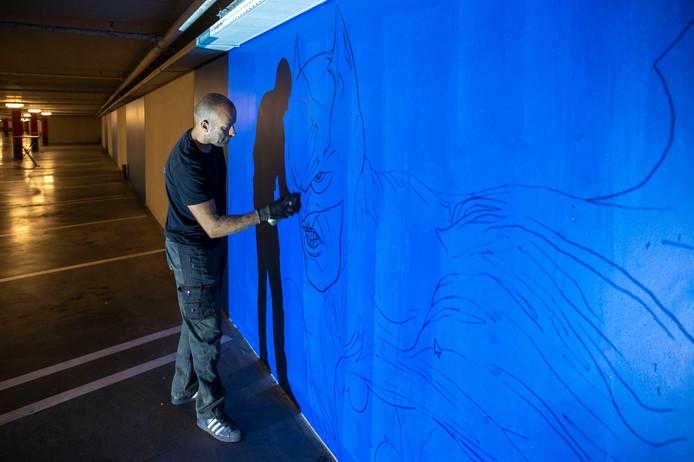 Kunstenaars in de garage.