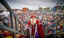 Sinterklaas tijdens de intocht van Sinterklaas en zijn pieten in Scheveningen.