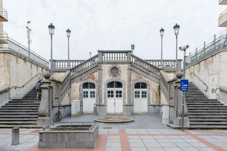 Na de zomer beginnen de restauratiewerken aan de statige Weststraattrap.