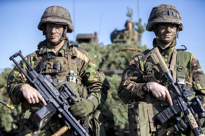 Nederlandse militairen bij de Russische grens in Litouwen.