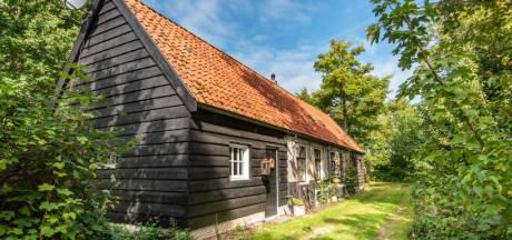 Dit vroegere huis van schrijver Hans Warren staat te koop
