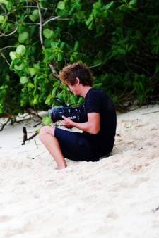 Guus uit Hengelo maakt documentaire over piepklein eiland dat zelfs op Google Maps onzichtbaar is