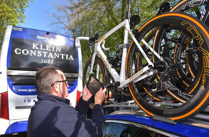 De fiets waarmee Boonen zijn laatste koers zal rijden krijgt ook veel bekijk