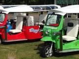Deze tuktuk brengt je voor een prikkie van station Apeldoorn naar Glazen Huis