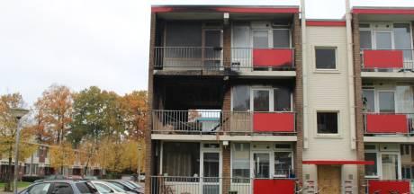 Brand verdrijft bewoners zes appartementen in Hengelo: 'Ik zag de brandweer en heb geschreeuwd'