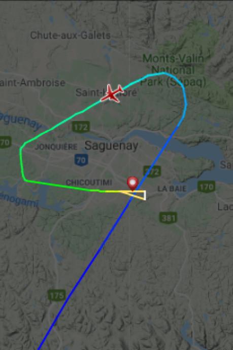 Cockpitraam breekt, vliegtuig duikt steil naar beneden tijdens noodlanding