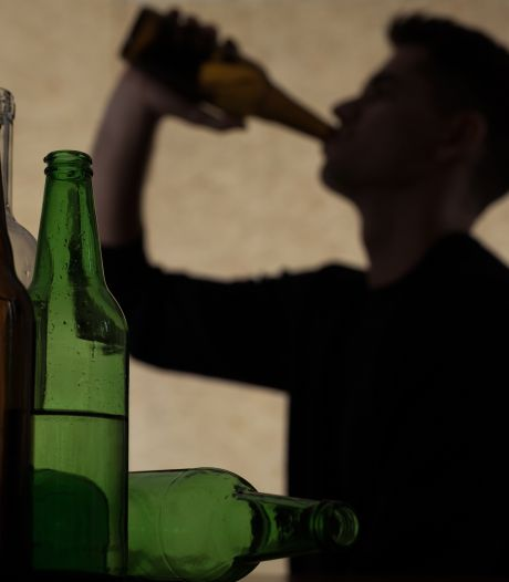 Maat is vol: alcohol mag vanaf nu helemaal niet meer op straat in binnenstad Almelo