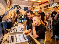 De jongens van Radio Gemiva.nl blij met hun eigen radiostation