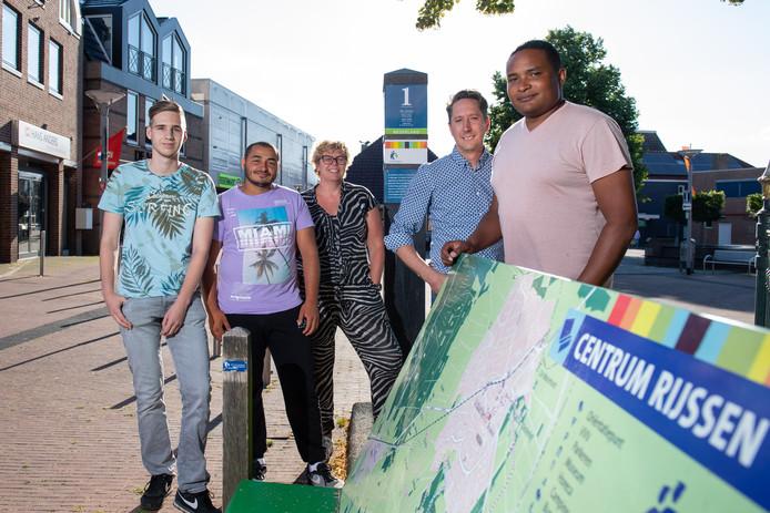 Van links naar rechts: Jorrit Beltman, Hasan Al Jasem, Hannie Nijkamp, Sander Ris en Tonny Schmidt.