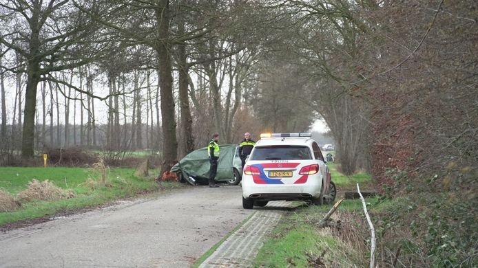 De politie doet onderzoek naar de omstandigheden waarin het ongeluk kon gebeuren.