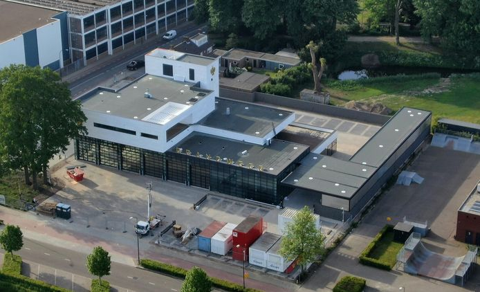 De nieuwe brandweerkazerne aan de Taxandriaweg in Waalwijk.