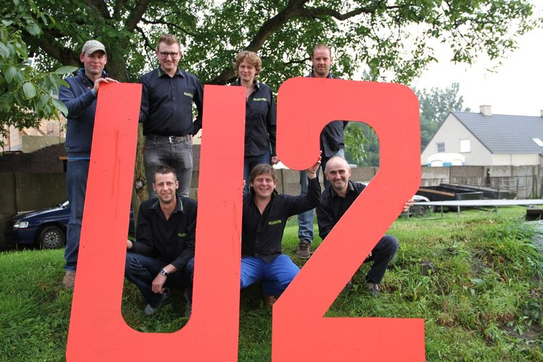 De Hillefisters brengen U2 naar de Hille.