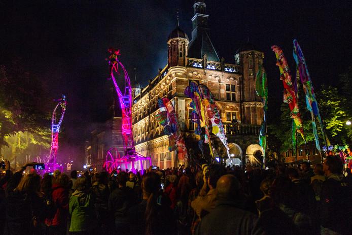 De binnenstad van Deventer tijdens het evenement Deventer op Stelten.