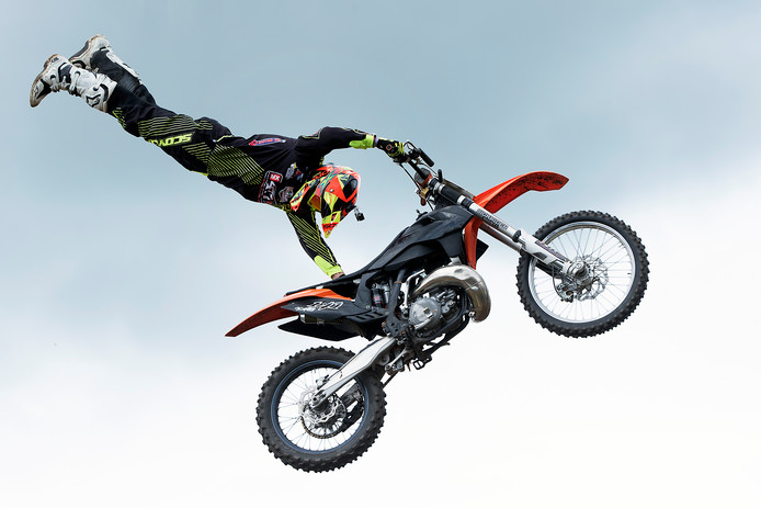 Stuntman William van den Putte in actie, zaterdag.